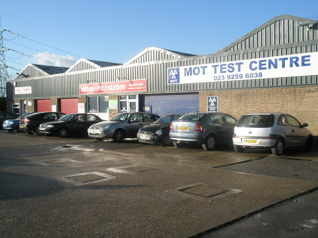 Cars_waiting_at_the_MOT_test_Centre_in_London_Road_-_geograph.org.uk_-_1609454